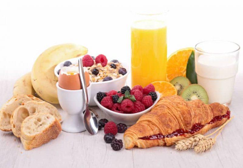 śniadanie-z-sokiem