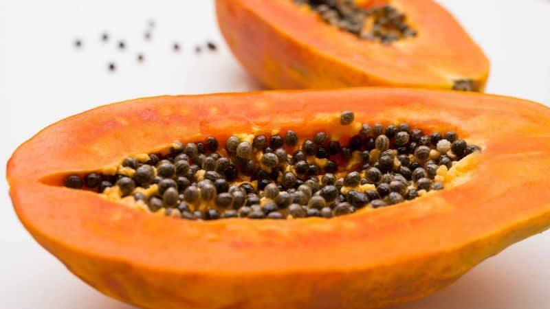 Pokrojony owoc papai