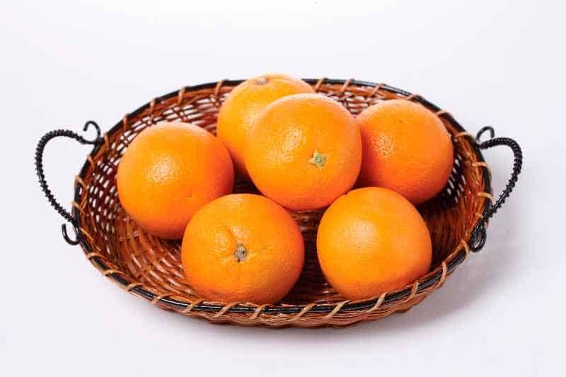Świeże pomarańcze na smoothie i koktajl