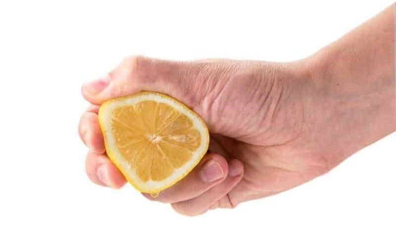 Wyciskanie cytryny